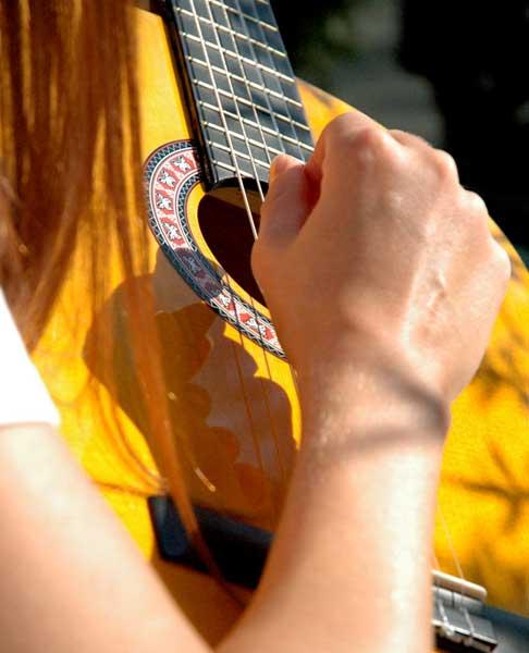 Comment prendre en mains votre première guitare