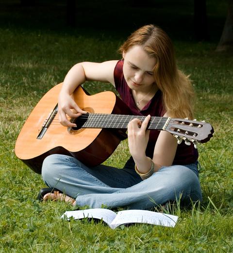 Quelques morceaux faciles pour guitaristes débutants