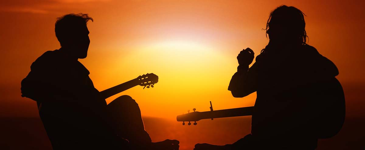 Les triades à la guitare: le cours qu'il vous faut pour les maîtriser!