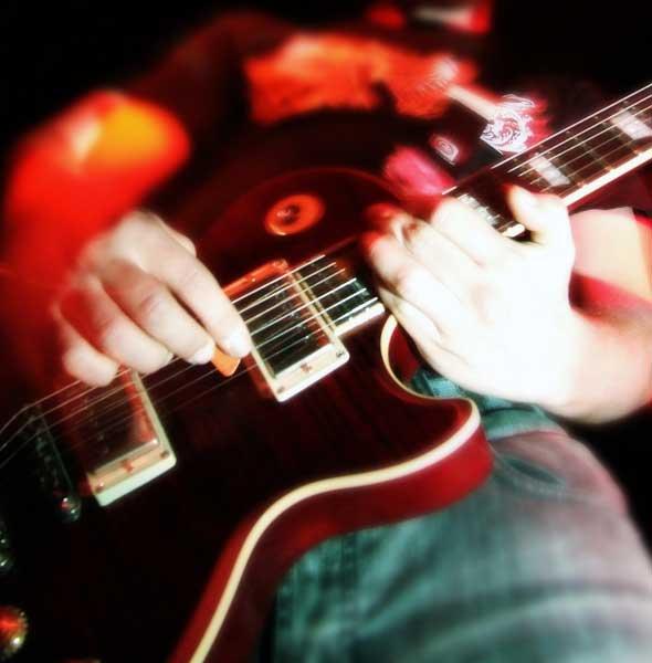 Improviser à la guitare avec les modes